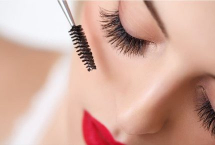 False Eyelashes: The Detail That Makes Eyes Pop