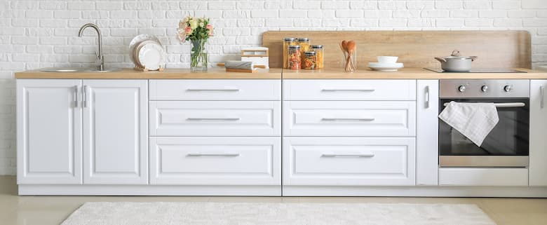 Cabinet-Handle-Pulls-on-Kitchen-Cabinets