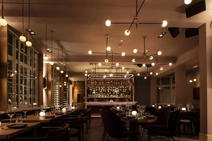 romantic restourant lighting