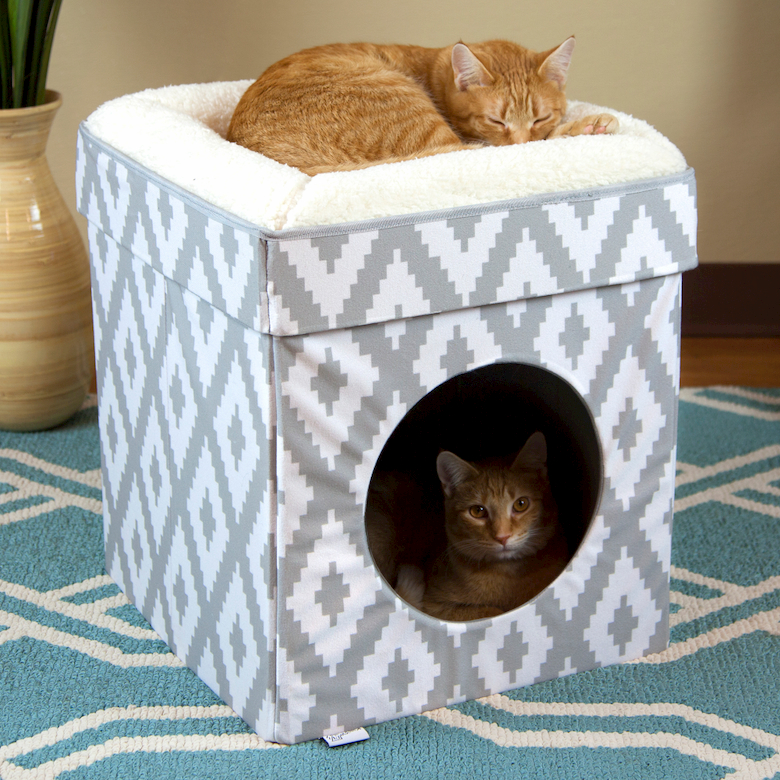 cat cube bed on good location