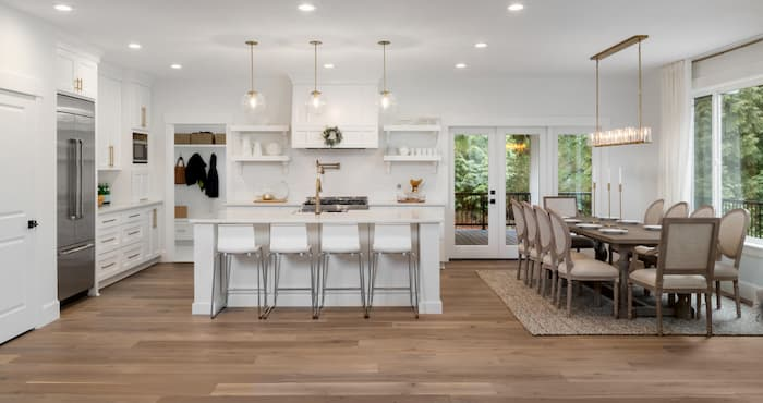 pendant lights in the kitchen and dining room
